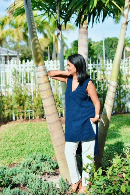 Career change tips, blue sleeveless sweater and white jeans, spring fashion, ootd